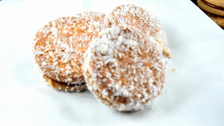 galletas rellenas de crema de cacahuete